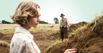 Ralph Fiennes and Carey Mulligan's The Dig Recreates a Historical Story
