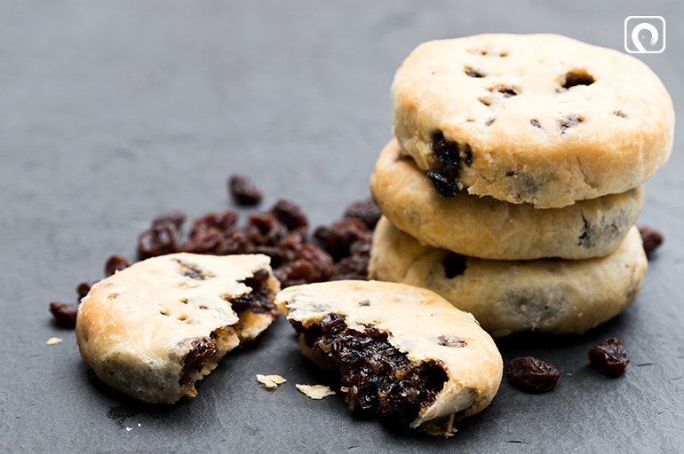 To-make-Eccles-cake-filling
